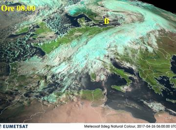 Fig.1 - La perturbazione atlantica alle ore 08.00 di martedì 25 aprile