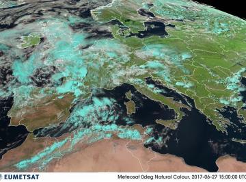Fig1 – La perturbazione sulla Francia e ad Ovest della Sardegna alle ore 17.00 di martedì 27  Piogge