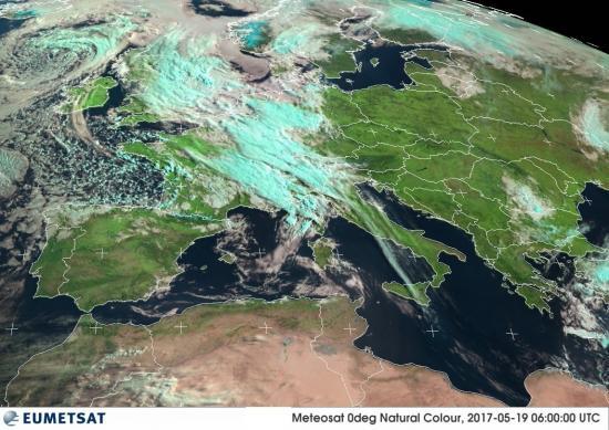 Fig.1 - La perturbazione vista dal satellite meteo alle ore 08.00 di venerdì 19 maggio