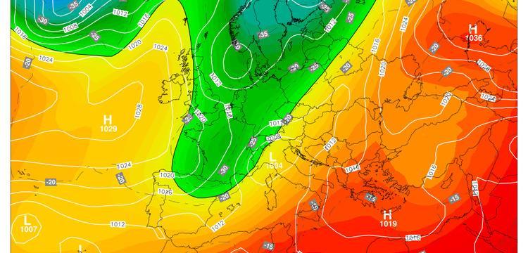 Fig.1 - La vasta area di bassa pressione, in verde,  alle ore 14.00  di mercoledì 25 aprile