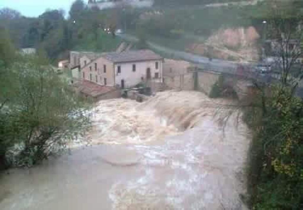 Piemonte, continua a piovere, da domani allerta rossa