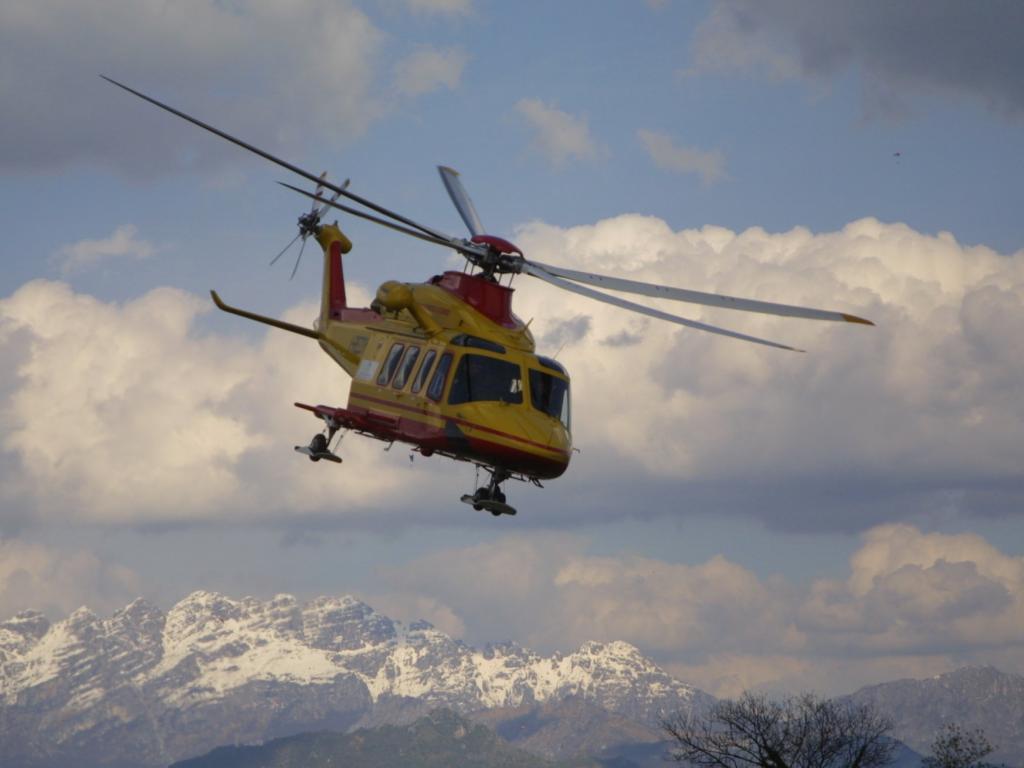 Elicottero 118 : Nuova tragedia cade un elicottero del si temono vittime in