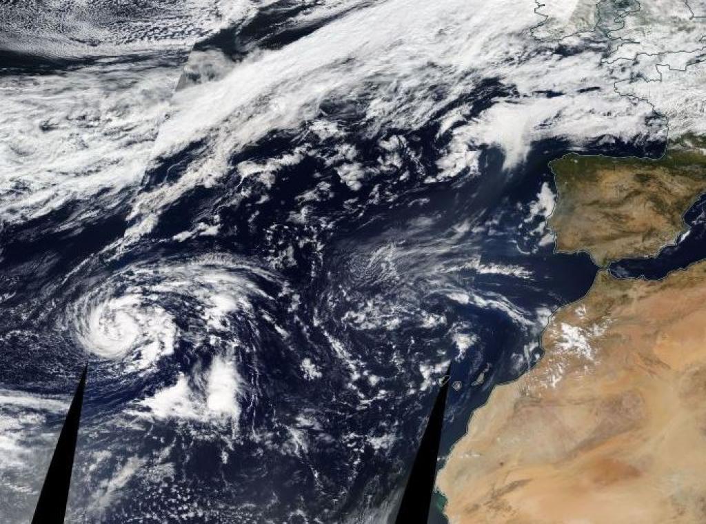 Allerta Meteo, l'uragano Ophelia prende forza e punta verso l'Europa