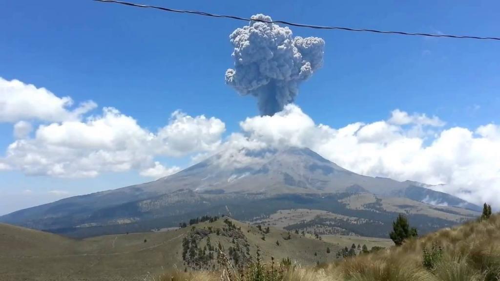 Indonesia: paura per vulcano Agung, 50.000 evacuati a Bali