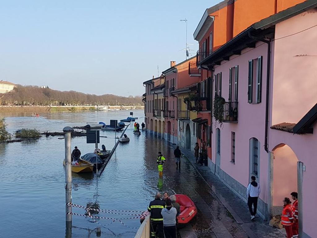 Maltempo: Ticino esonda a Pavia, situazione sotto controllo