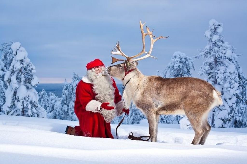 Immagini Di Babbo Natale Con La Slitta E Le Renne.Babbo Natale E La Sua Slitta Meteo Giuliacci It