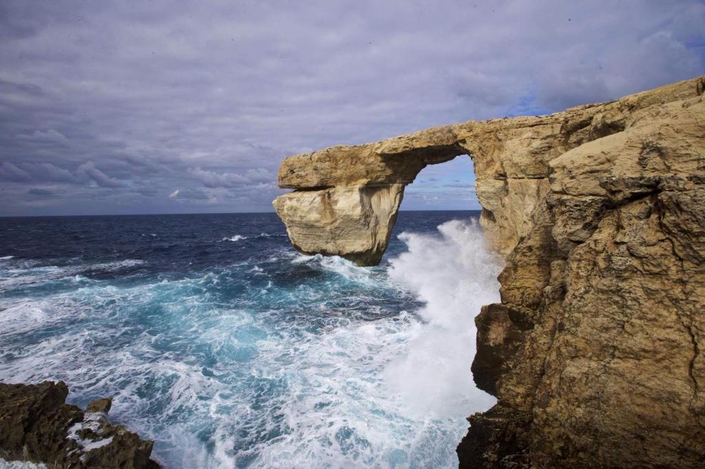 Malta la finestra azzurra sul mare crollata meteo - Malta finestra azzurra ...