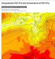 Pressione alla quota media di 5500m e temperature a 1500m (a colori) per il 14 agosto