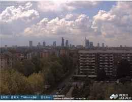Webcam meteoguliacci Milano (volta verso Sud) alle ore 12.00